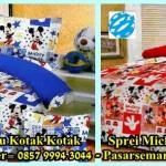 Sprei Kartun Mickey Mouse Motif Kotak – Kotak