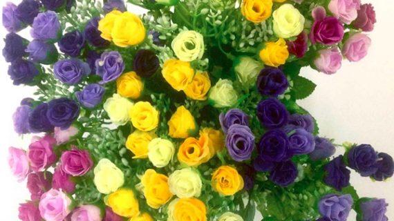 9 Hordeng Minimalis Ruang Tamu Jendela Kecil Motif Bunga Mawar