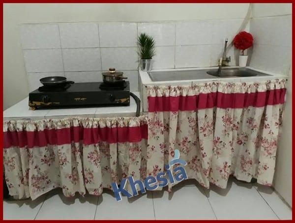 gorden pembatas dapur