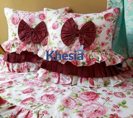 dekorasi ruang tamu sempit, motif bunga untuk taplak meja, sarung bantal sofa vintage